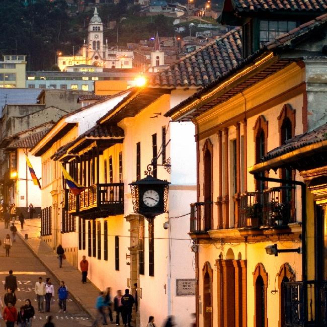 CIRCUITOS DE COLOMBIA CON SOLES