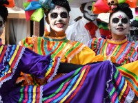 MEXICO FESTEJA LA MUERTE